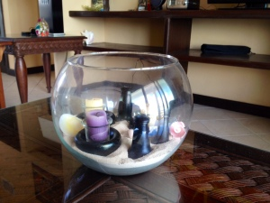 Boo-ya! Take that Federal Express! I carried this fish bowl and much of its contents in the basket of my bicycle all the way home -- without breaking anything! Who's the man now, UPS!