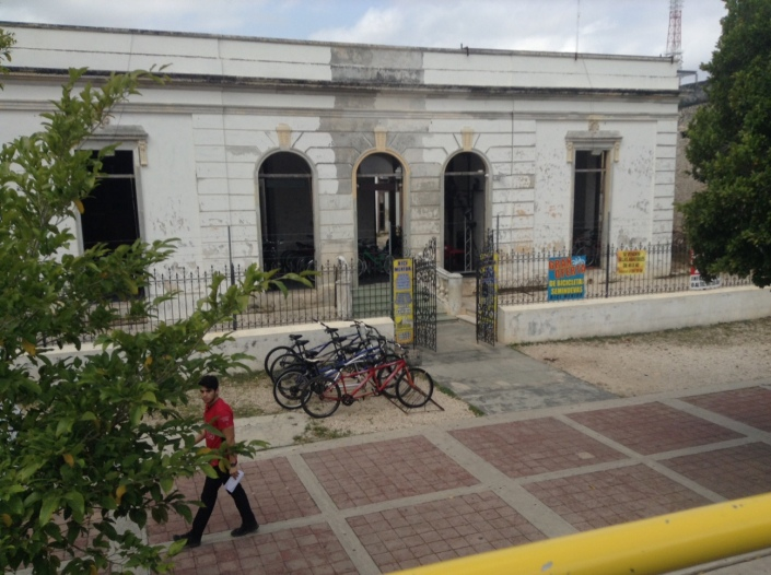 Our bike rental shop, Bici Merida, is housed in a crumbling old estate at the beginnng of Paseo de Montejo.