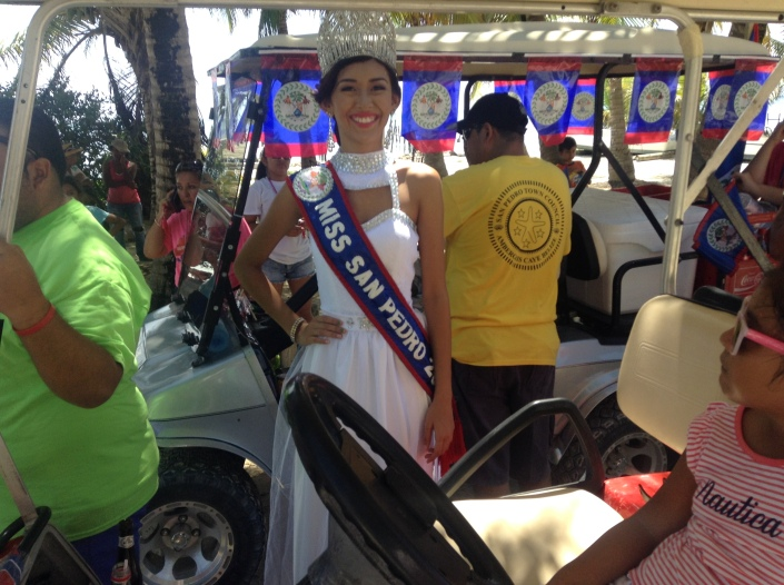 Miss San Pedro prepares to lead the parade.