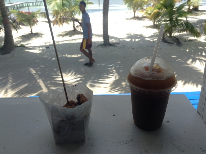 Extra bonus picture: This is always my first stop on Caye Caulker ... always. One order of cinnamon mini-donuts, drizzled with chocolate and an iced Americano with a splash of milk. Always. What is Man if he has not traditions to pass on to the next generation? That's mine. I don't seek much or ask for more than makes me happy. And this makes me happy. Thank you, Caye Caulker.