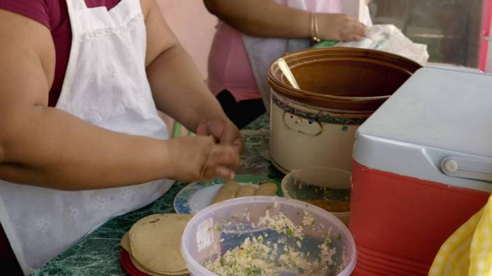 "This video about tacos makes the point that while Belize has ""fast food"" you won't find a Taco Bell, McDonald's or Kentucky Fried Chicken in the country. No franchises, mon!"