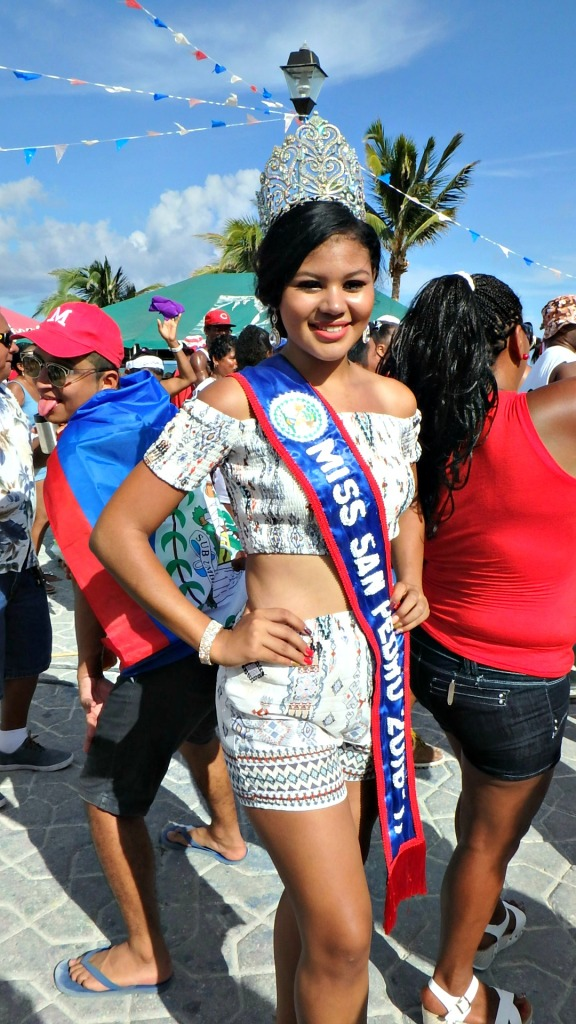 The newly crowned Miss San Pedro 2016 Marisha Thompson in the Independence Day Parade.